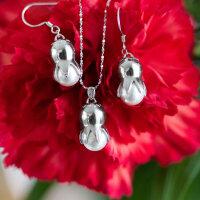 Glockenblume mit Perle
