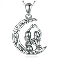 Pendant sisters / girlfriends on a moon