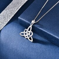 Pendant Celtic knot with heart